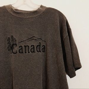 Vintage | Embroidered Canada Souvenir Travel Tee